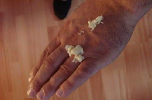 как удалить монтажную пену с рук