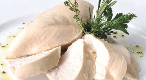 Сколько варить куриную грудку для сохранения сочности?