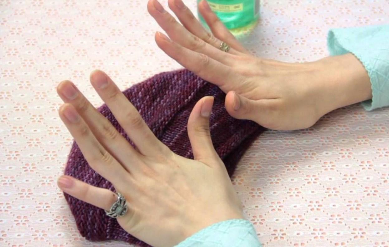 Как стирать шапку из меха, шерсти и других материалов