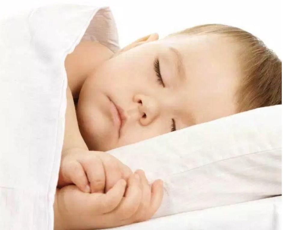 Как уложить спать маленького ребенка?