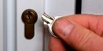 Сломался ключ в замке, что делать, как вытащить его?